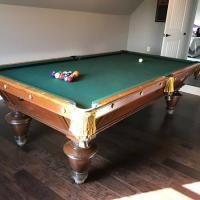 9' Brunswick Narragansett Pool Table